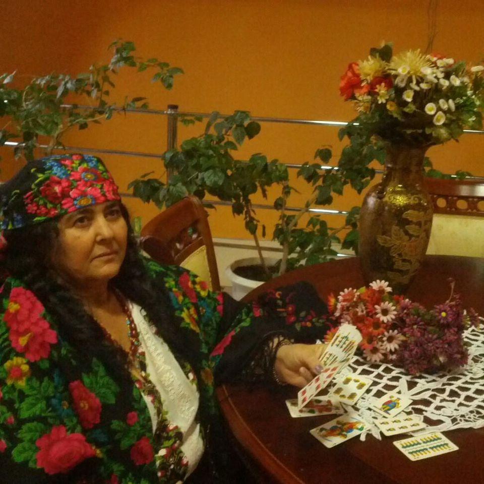 Vrăjitoarea Maria din Craiova declară că magia sa este dedicată oamenilor