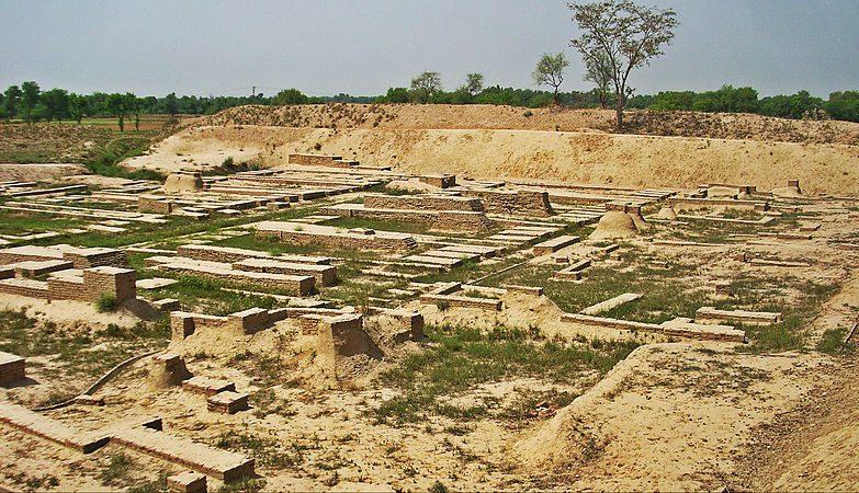 Harappa_Ruins_-_VI_-_Mounds